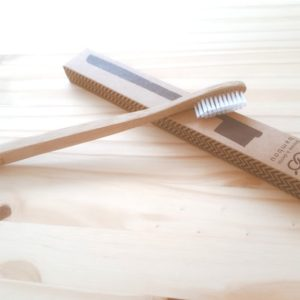 Une brosse à dents bambou
